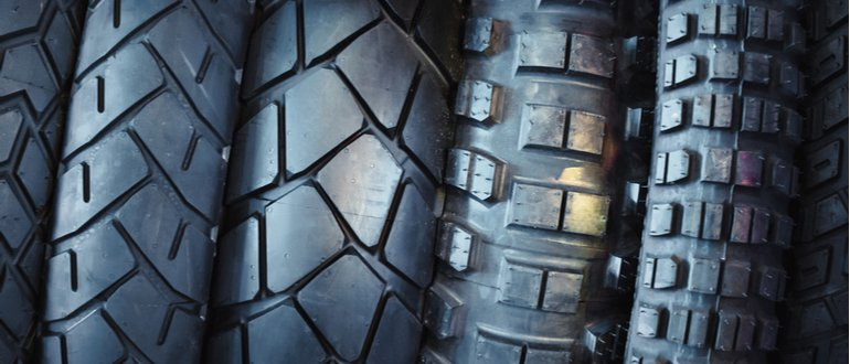 motorcycle tire tread